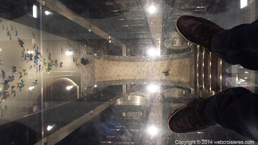 Ascenceur avec sol en verre Quantum of the Seas