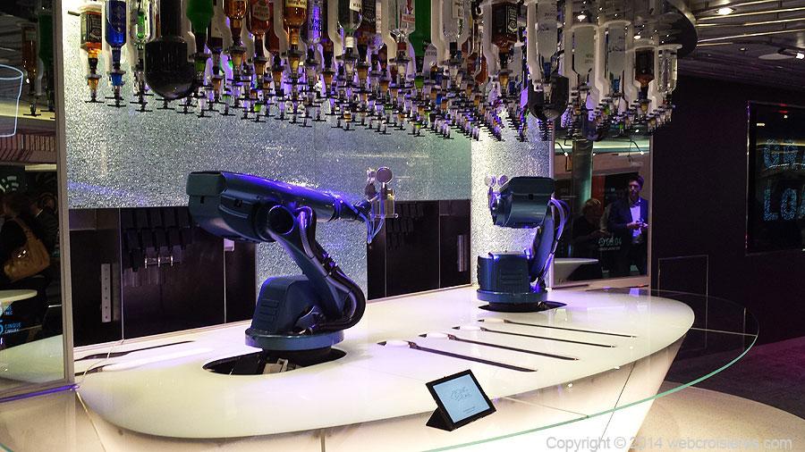 Le barman robot du Quantum of the Seas