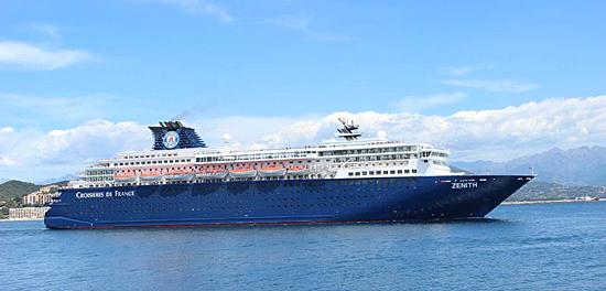 Le navire de croisière Zenith