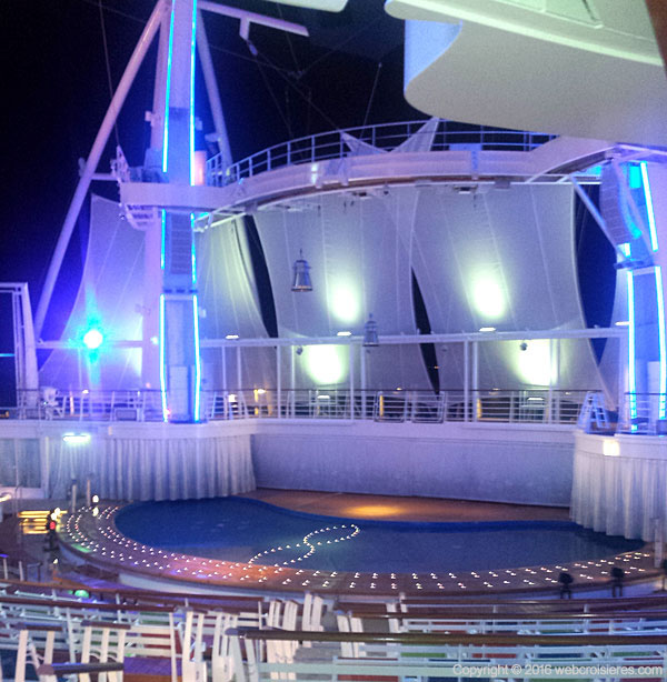 Aqua theater Harmony of the Seas