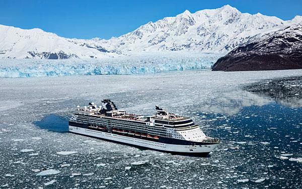 Navire Celebrity dans les eaux gelées de l'Alaska