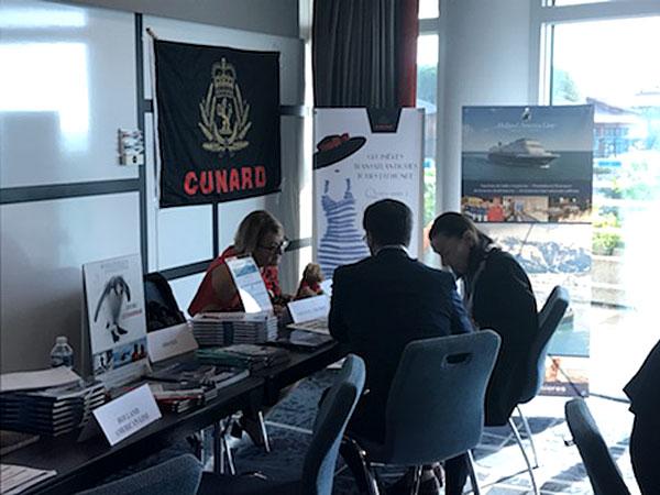 La compagnie de croisières Cunard représentée par Laurence Stadler. Cunard vous propose des croisières d'exception à bord de navires prestigieux comme le Queen Mary 2, le Queen Elizabeth et le Queen Victoria