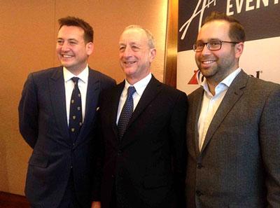 Iain Baillie (Vice-président Carnival Cruise Line), Gigi Torre (Président de Gioco Viaggi) Tony Roberts (Vice-président Europe et Royaume-Unis)