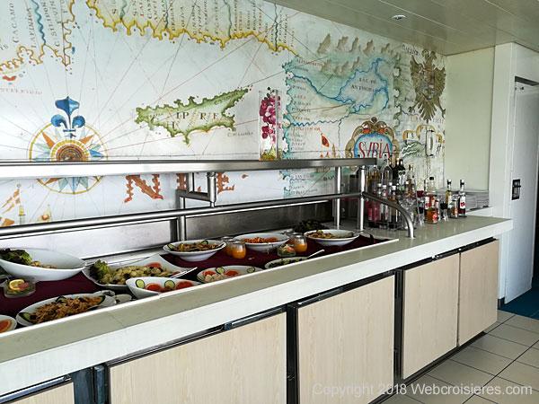 Point de vue sur le buffet du Club Med 2