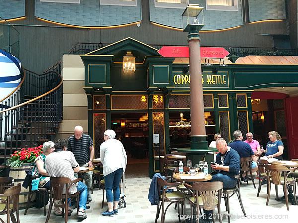 Café présent à bord du Symphony of the Seas