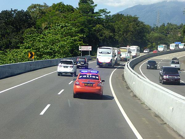 Escorte policière lors de l'excursion à Borobudur