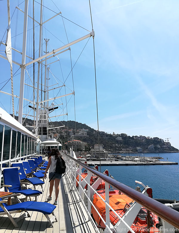 Balade sur le pont supérieur du Club Med 2
