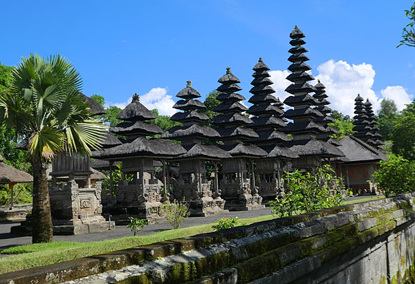 Temple type pagode chinoise à Bali