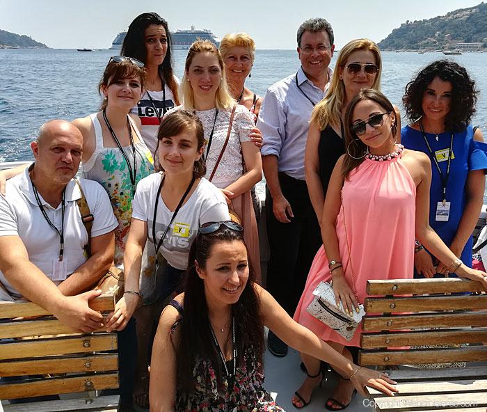Les membres de l'équipe Jet-travel qui ont participé à la visite du Celebrity Reflection