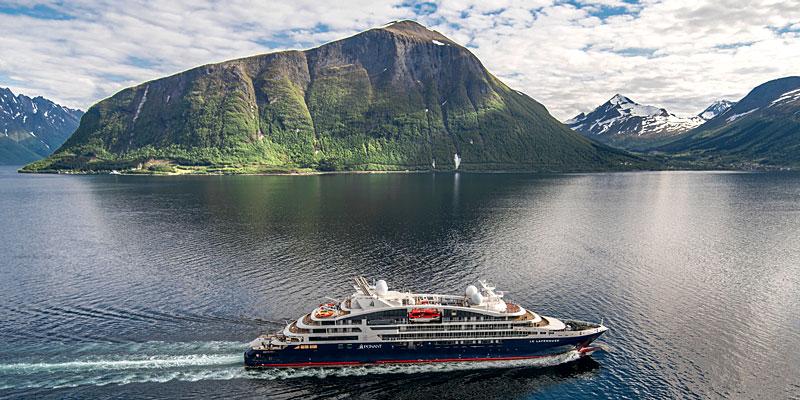 Le Lapérouse au départ de la Norvège pour les essais en mer