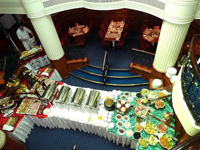Vue du buffet depuis le Piano Bar