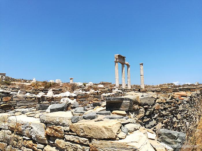 Quelques vestiges antiques sur Délos