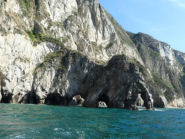 Vue partielle de l'île de Palmarola