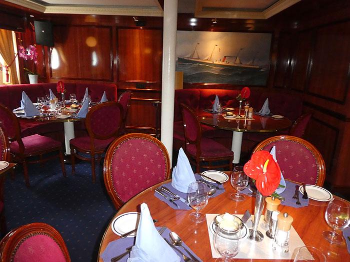 Vue partielle de la salle à manger du Royal Clipper