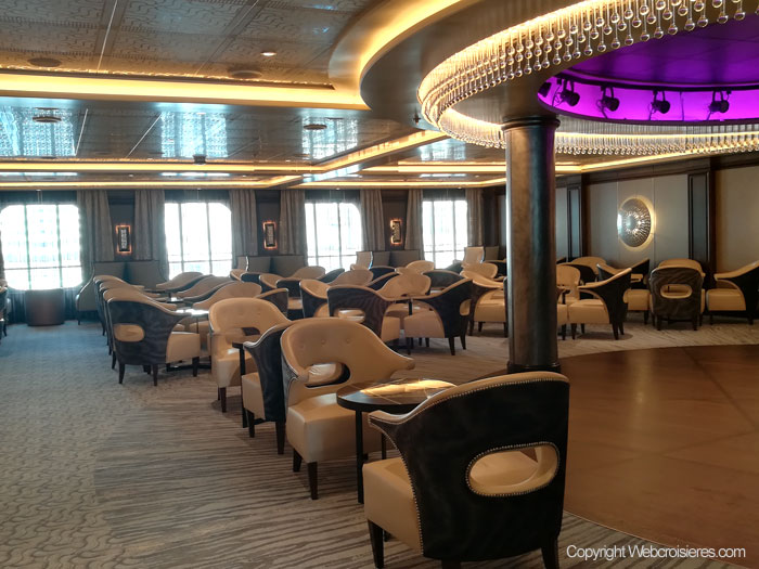Le bar Meridian Lounge
