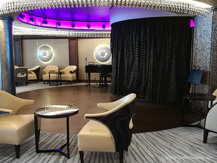 Vue sur le Meridian Lounge