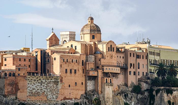 Cagliari, son quartier historique et sa cathédrale
