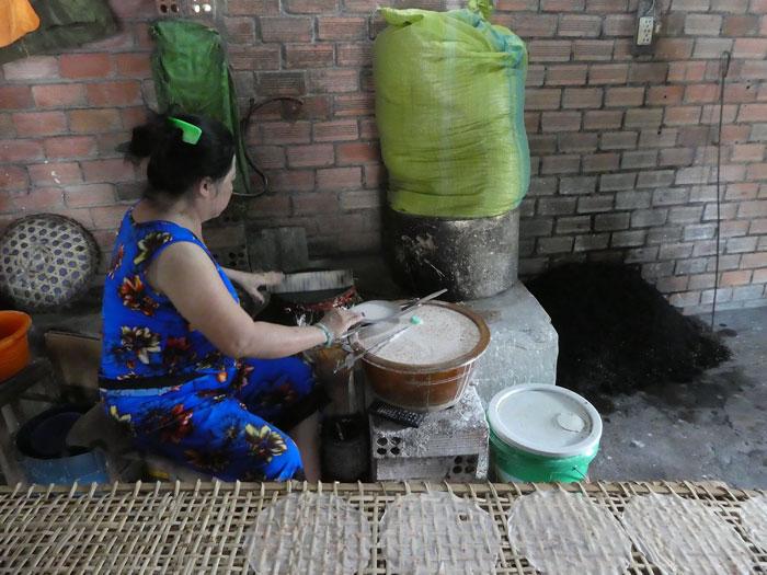 Fabrication artisanale des crêpes pour nems